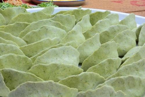 Đặc sản bánh khúc của làng quan họ Bắc Ninh - VnExpress Du lịch