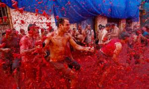 Những lễ hội sôi động trong tháng 8