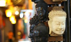 Những món quà hấp dẫn từ xứ sở chùa tháp