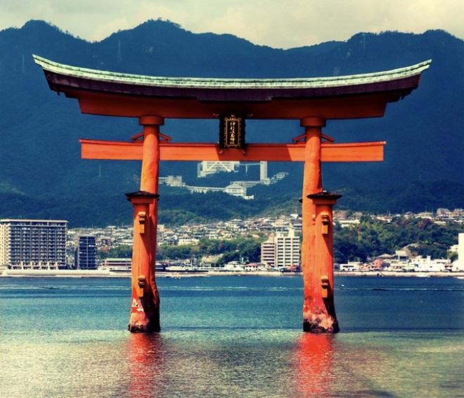 Torii - cánh cổng đến thế giới thần linh ở Nhật Bản - VnExpress Du lịch