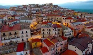 Thị trấn cấp tiền cho du khách đến sống tại Italy