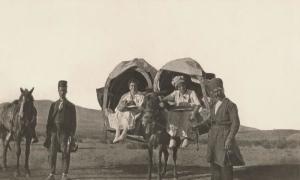 Phụ nữ Mỹ du lịch thế nào gần 100 năm trước