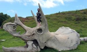 Công viên khủng long ngoài đời thực ở Hawaii