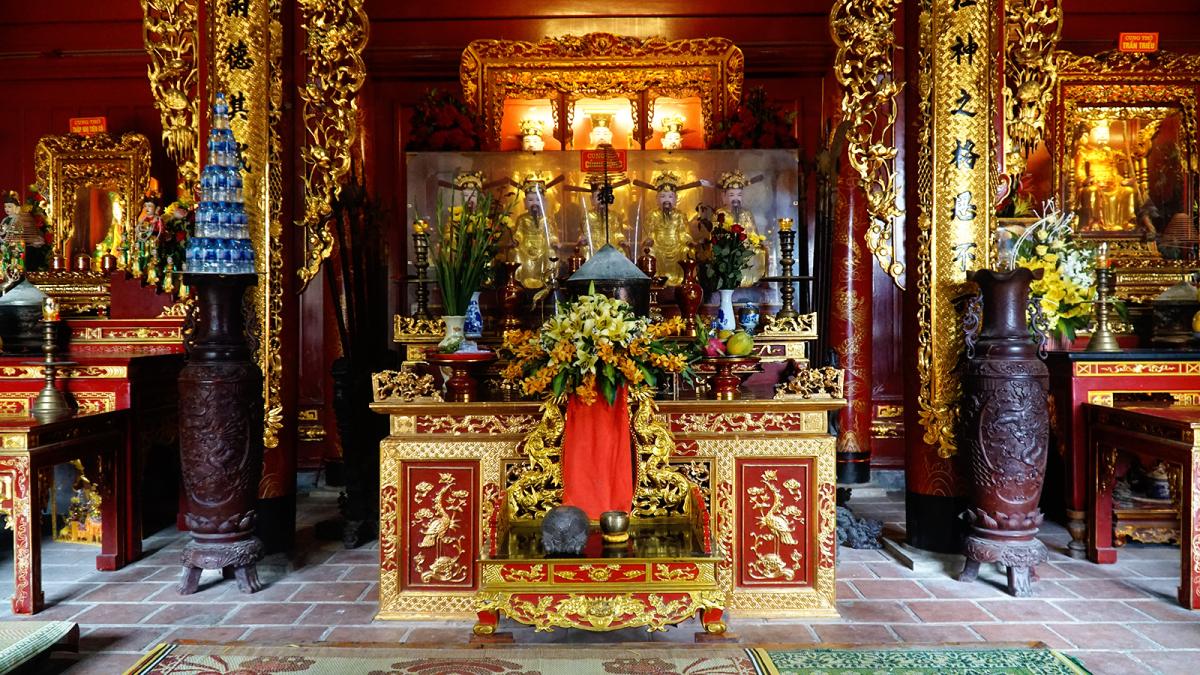 Bên trong đền thờ ông Hoàng Mười gần 400 năm ở Nghệ An - VnExpress ...