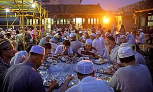 Lý do người Hồi giáo ở Malaysia nhịn ăn một tháng