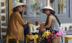 Bia hơi vỉa hè kiểu Việt Nam ở Ấn Độ