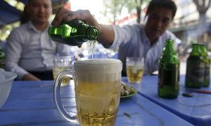 Khách Tây nói 7 điều cần biết khi nhậu với người Việt