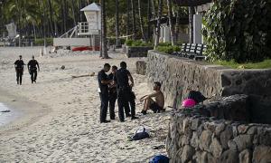 Hawaii tống giam hàng loạt khách trốn cách ly