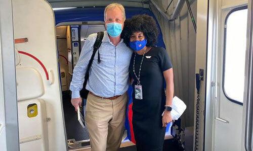 Cuộc gặp gỡ bất ngờ trên máy bay