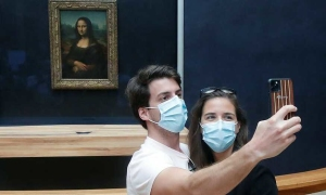 Bảo tàng Louvre mở lại sau 4 tháng