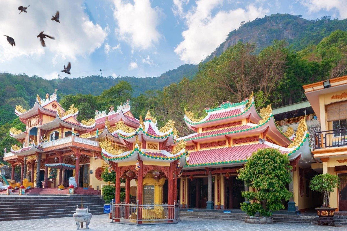 Ba điểm du lịch tâm linh nên đến ở Tây Ninh - VnExpress Du lịch
