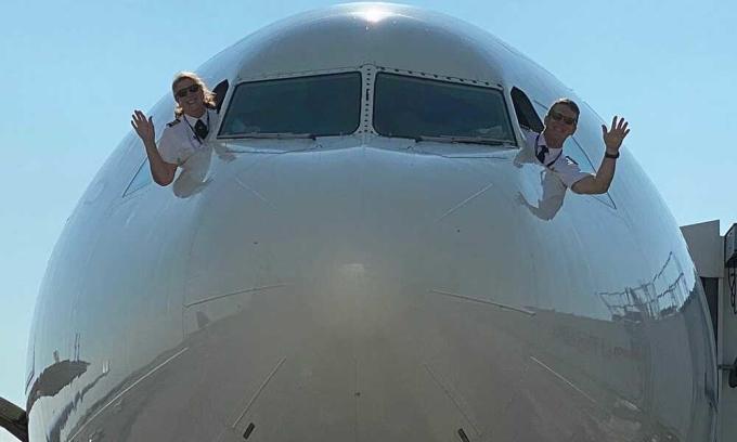 Chuyến bay cuối cùng nhau của vợ chồng phi công