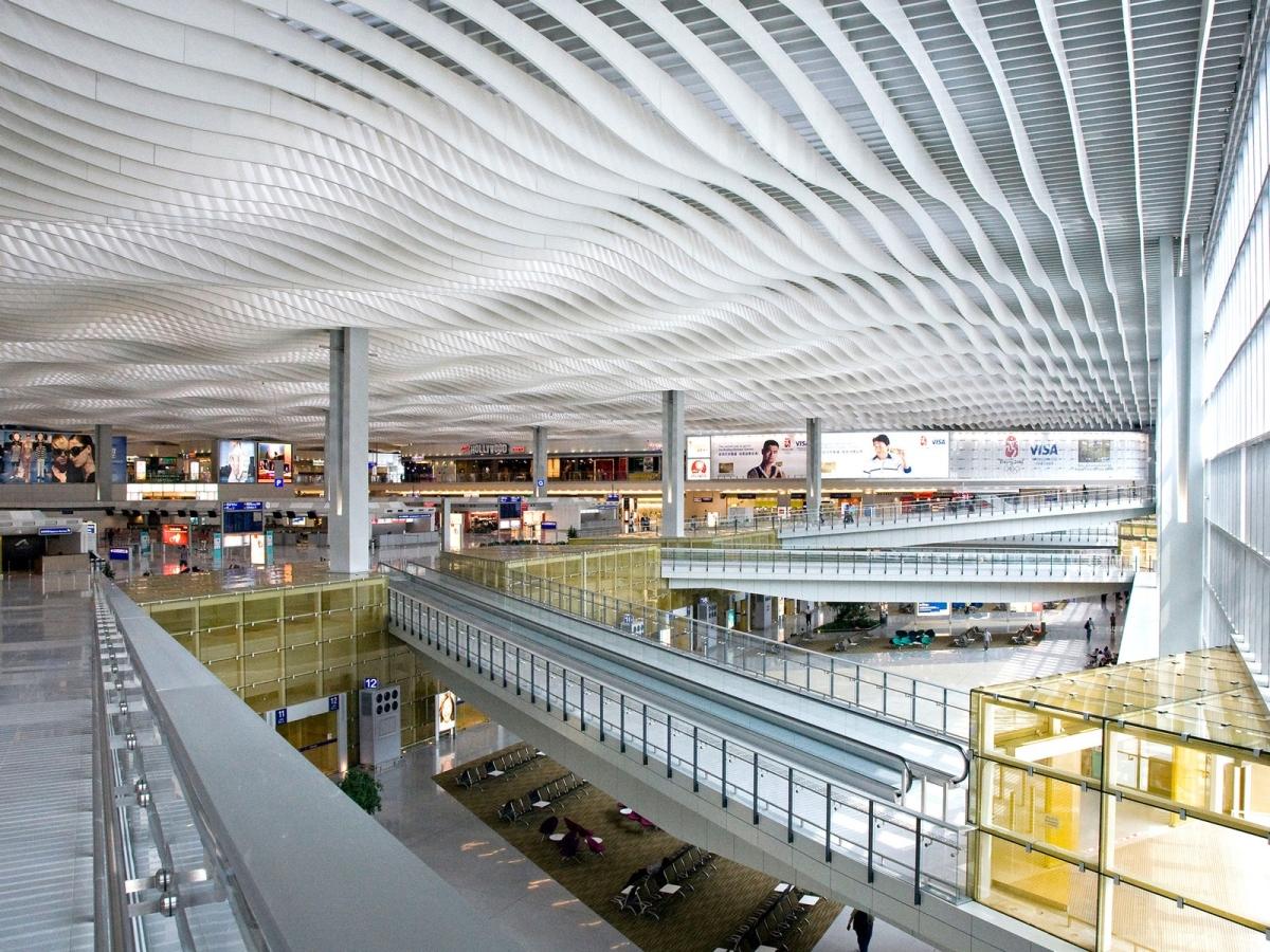 hong-kong-airport-cr-alamy_1602656878