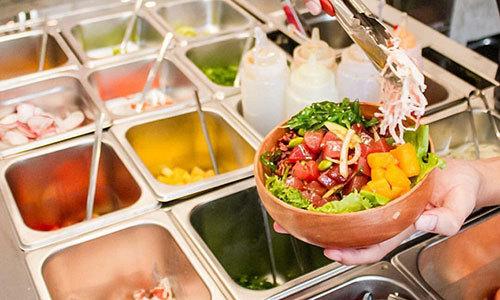Thưởng thức salad kiểu Hawaii ở Hà Nội