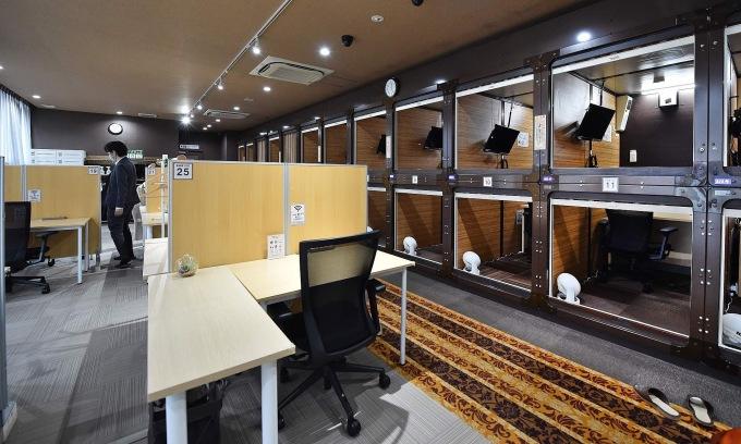 Khách sạn biến thành văn phòng để sống qua đại dịch
