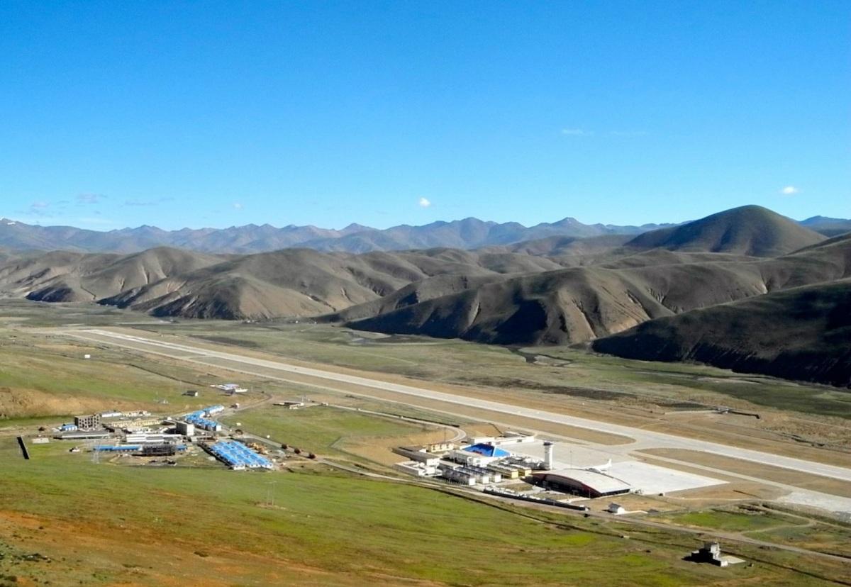 qamdo-airport-in-bangda-grassland-big-1608313255