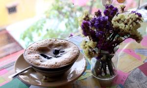 Cà phê thuốc Bắc trong phố người Hoa
