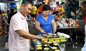 Thiên đường ăn uống trong chợ hoa lớn nhất TP HCM