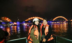 Du ngoạn đêm miễn phí trên sông Hàn