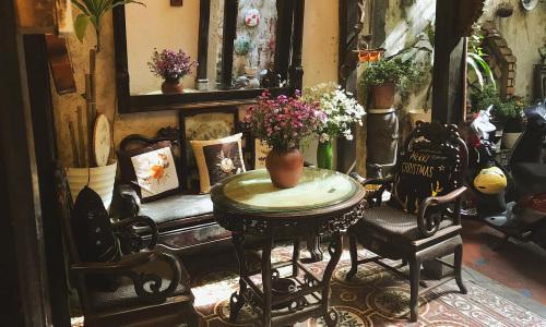 Quán cà phê trong ngôi nhà 102 tuổi