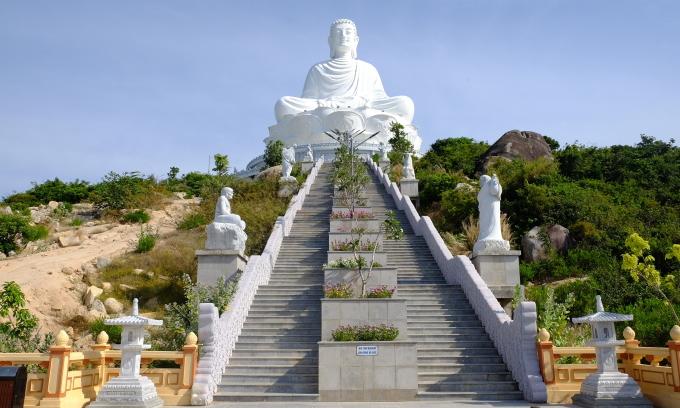 Trắc nghiệm: Ngôi chùa nào có tượng Phật nằm lớn nhất Việt Nam?
