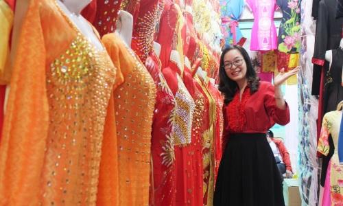 4 khu chợ hút khách mua sắm Tết