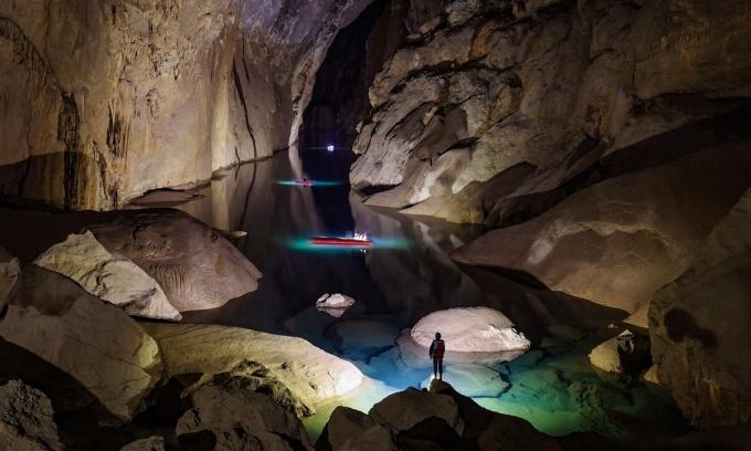 Người Việt đi tour hang động tăng kỷ lục giữa Covid-19