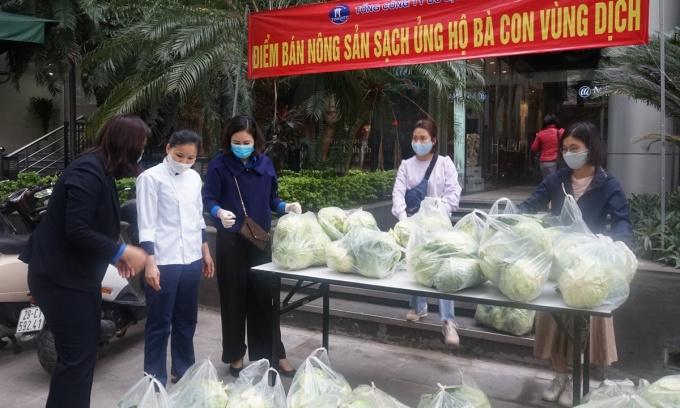 Công ty du lịch mở điểm bán nông sản Hải Dương