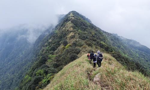 Trekking 'nóc nhà' Lạng Sơn
