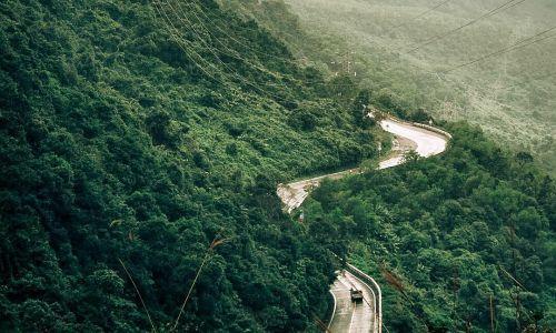 Đèo Hải Vân vào top cung đường hút khách check-in