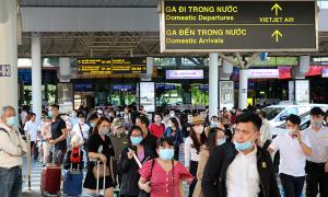 Khách Việt bày cách tự vệ khi du lịch một mình