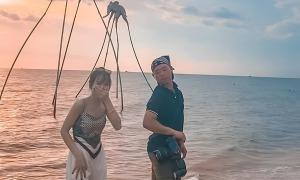 Thợ ảnh Phú Quốc gây sốt khi dạy khách tạo dáng sexy