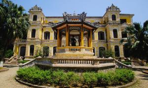Cận cảnh phim trường trong cung An Định