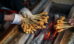 Tiệm mochi nướng 1.000 tuổi chỉ truyền nghề cho nữ