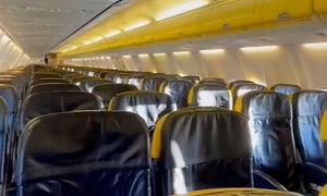 Nữ du khách 'thầu' nguyên chuyến bay với 50 bảng