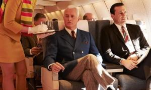Có hãng bay nào cho phép hành khách hút thuốc lá?