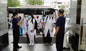 Nhiều khách sạn TP HCM miễn phí cho y bác sĩ
