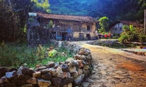 Làng đá cổ ở Cao Bằng