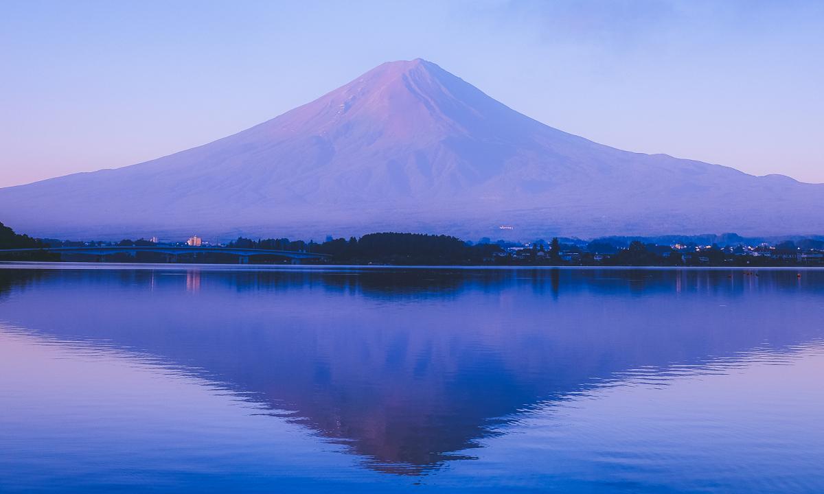 Núi Phú Sĩ huyền thoại vào mùa hè