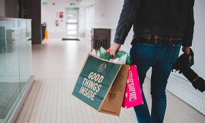Quyền lực chiếc túi của cửa hàng miễn thuế